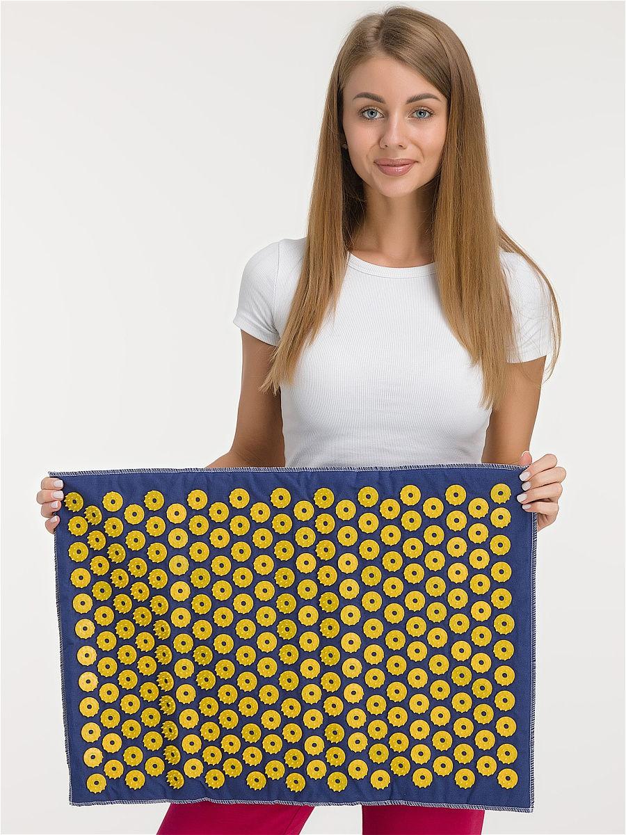 В комплект входят коврик (41х60 см) и валик (38х10 см)-3